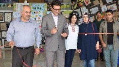 Köy Okulu Öğrencileri Resim Sergisi Açtı