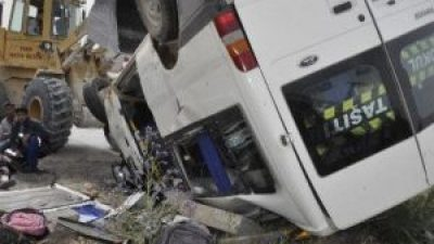 Osmangazi'de Öğrenci Servisi Kaza Yaptı: 3'ü Ağır 16 Yaralı