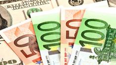 Dolar ve Euro Tarihi Zirvelerde