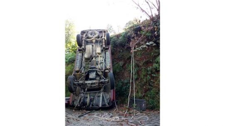 Derepazarı'nda Minibüs Takla Attı: 2 Yaralı