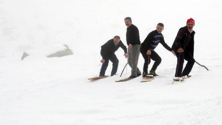 Rizelilerin tahtalı kayak eğlencesi başladı