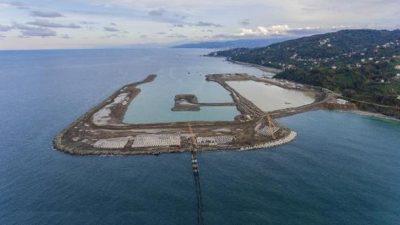 Rize-Artvin Havalimanı'nda denize 14,5 milyon ton taş döküldü